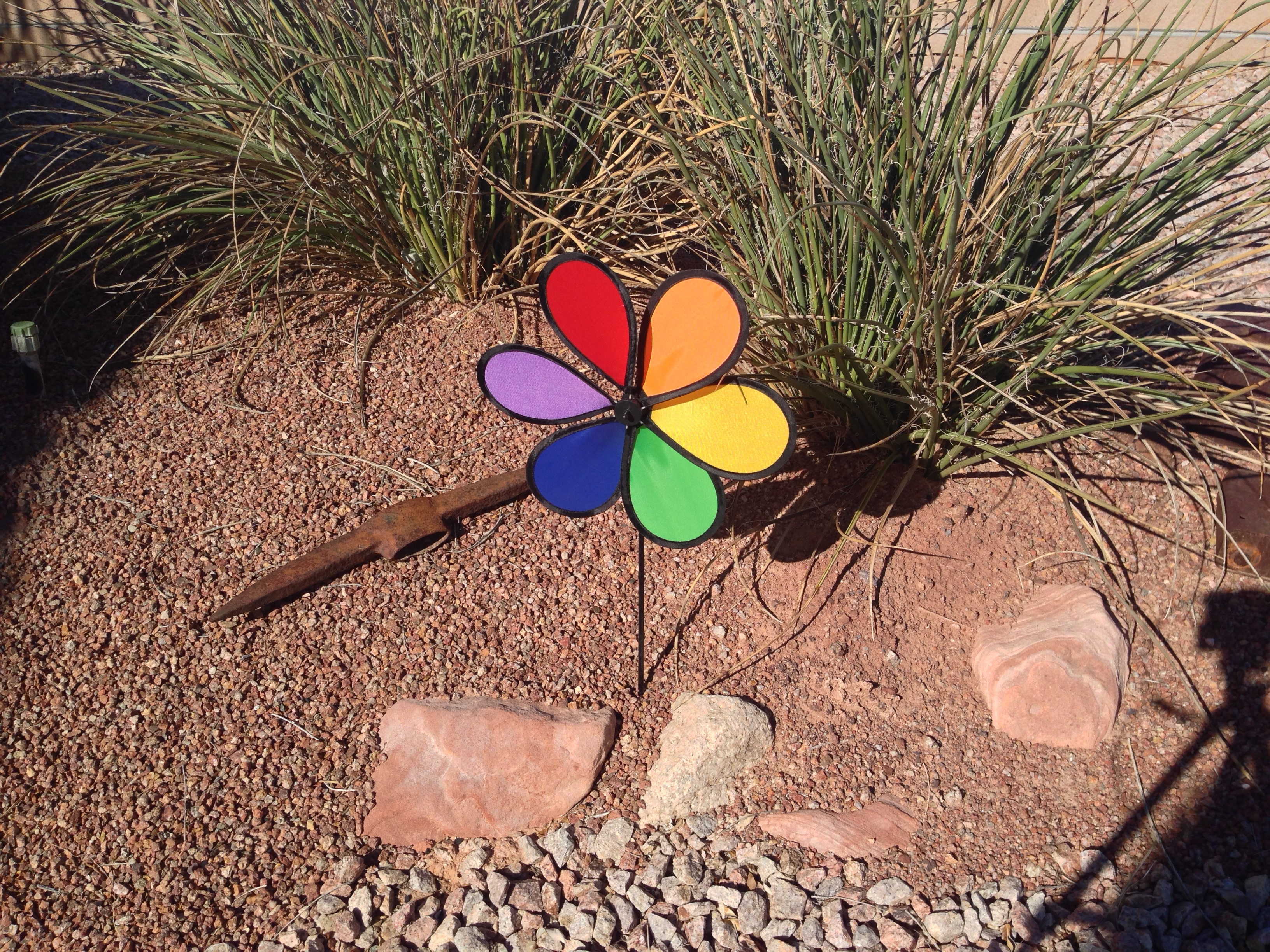 Wind Spinner 6-Petal Daisy Rainbow Flower Whirligig - Tumbleweeds ...